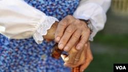 Perawatan radang sendi tidak akan membuat persendian baru, tapi memperlambat munculnya rasa sakit pada persendian (foto: dok).