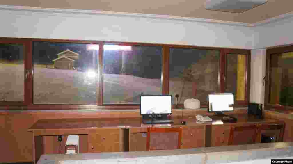 북한 강원도 원산에 개장한 마식령 스키장의 진료소 내부. '우리투어' 사진 제공.