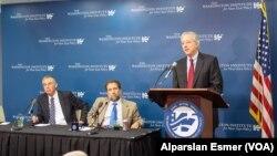 Washington Enstitüsü toplantısına katılan Michael Herzog, Robert Satloff ve Dennis Ross