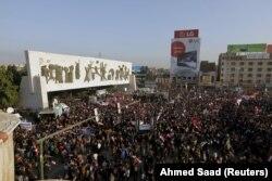Bağdat'ın Tahrir Meydanı'nda Türkiye'yi protesto eden Iraklılar