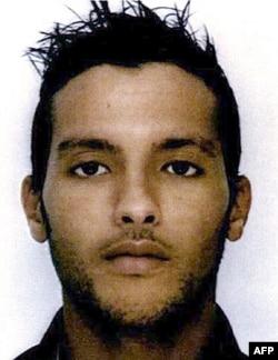 伊斯兰国的一名头领穆阿丹,他在联军于叙利亚境内的一次空袭中被击毙,据说他和巴黎恐怖袭击案中的首犯阿巴伍德有直接联系。