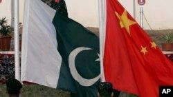 د راپورنو له مخې په دې وخت کې پاکستان د چين نه زيات واردات (درآمدات) لري چې له امله یې پاکستاني تولیدات (مصنوعات) هم متاثره شوي دي