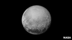 Hình ảnh Diêm Vương Tinh được nhìn thấy từ phi thuyền New Horizons hôm 11/7/2015.