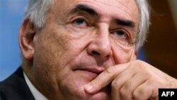 Ông Dominique Strauss Kahn bị tố cáo dính líu tới một đường dây gái mại dâm.