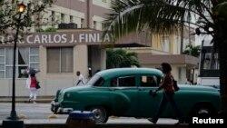 Funcionarios de la Guardia Costera recientemente advirtieron a los migrantes cubanos del peligro que representa lanzarse al mar.