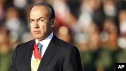 Calderón viaja a Cuba antes de asistir a la Cumbre en Cartagena.