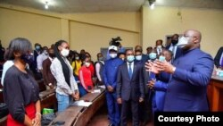 Président Félix Tshisekedi liboso ya ba yekoleni na Université ya Kinshasa (UNIKIN), Kinshasa, RDC, 10 aout 2020. (Présidence RDC)