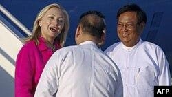 Državna sekretarka po dolasku u Burmu