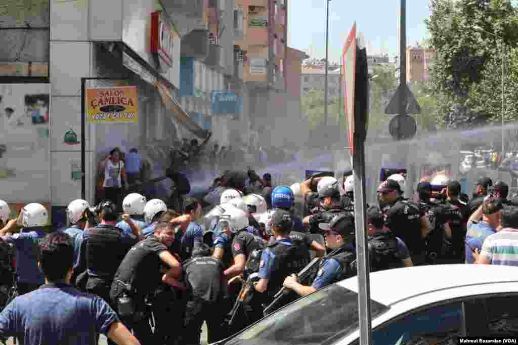 Diyarbakir protesto 08/20