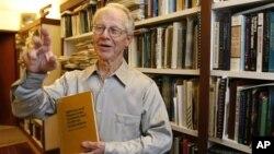 2009년 노벨 경제학상 수상자인 올리버 윌리엄슨 캘리포니아주립 버클리대학 교수. (자료사진)