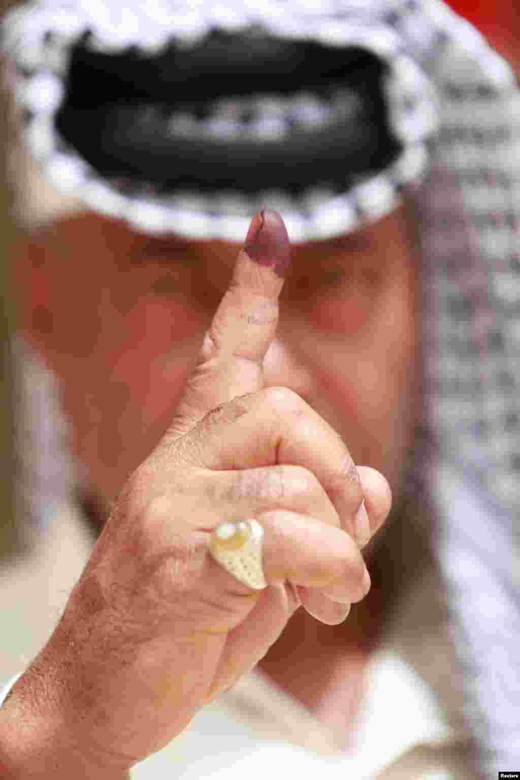 آغاز چهارمین انتخابات پارلمانی عراق و حضور مردم عراق در پای صندوق های رای