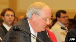 Ông Craner nói ông thấy Việt Nam 'lột xác' về kinh tế, nhưng 'không thấy tiến bộ' về chính trị.