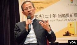 香港前立法會主席曾鈺成。(美國之音湯惠芸)