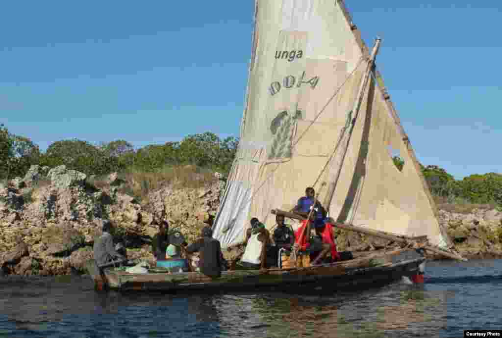 Lamu's fishermen fish the traditional way, using small wooden dhows, which they say cannot handle the rough conditions of the open sea, Nov. 25, 2014. (VOA / Hilary Heuler)