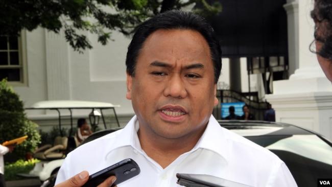 Wakil Ketua DPR dan mantan Menteri Perdagangan, Rahmat Gobel (foto: dok).