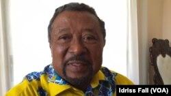 Jean Ping, candidat de l'opposition à l'élection présidentielle du 27 août 2016 au Gabon, à Libreville, 26 août 2016. (VOA/Idriss Fall)