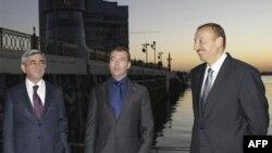 Серж Саргсян, Дмитрий Медведев и Ильхам Алиев