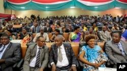 지난해 8월 아프리카 부룬디 의회 개원식에 의원들이 참석했다. (자료사진)