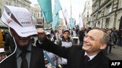 Владимир Некляев во время предвыборной президентской кампании. Минск. Беларусь. 29 октября 2010 года