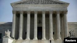 Mahkamah Agung AS menolak gugatan banding seorang fotografer anti perkawinan pasangan sesama jenis (foto: dok).