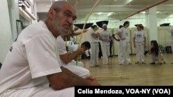 """Jelon Vieira, de 63 años de edad, considera que es su obligación como """"capoeirista"""" compartir su conocimiento y dejar este legado por donde pasa."""