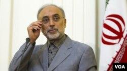 Kepala badan tenaga atom Iran, Ali Akbar Salehi mengumumkan penangkapan 4 orang yang dicurigai berupaya mensabotase fasilitas nuklir Iran (foto: dok).