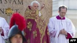 Ðức giáo hoàng Benedict cử hành thánh lễ vào ngày Lễ Lá, bắt đầu tuần thánh trước Lễ Phục Sinh