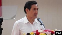 台湾总统马英九2015年6月24日在外交部视察,回顾他上任七年多来推行的活路外交成果(美国之音赵婉成拍摄)