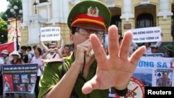 Luật Đặc khu và Luật An ninh mạng là nguyên nhân dẫn đến các cuộc biểu tình trên cả nước vào ngày 10/6/2018.
