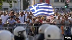Los mercados bursátiles de Asia y Europa cayeron fuertemente ante el nuevo incumplimiento anunciado por Grecia.