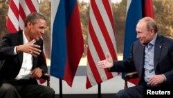 Rais wa Marekani Barack Obama alipokutana na rais wa Russia Vladimir Putin kandioni mwa mkutano wa G8.