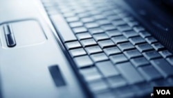 黑客发动网络攻击
