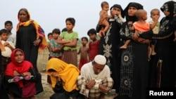 """صد ها هزار مسلمان روهینگیایی به دلیل خشونت ها از میانمار به """"بازار کاکس"""" در بنگله دیش در وضعیت بی نهایت رقتبار به سر می برند"""