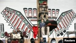 Kanadski premijer Džastin Trudo govori na ceremoniji zatvaranja Nacionalne istrage o nestalim i ubijenim ženama i devojčicama iz starosedelačkih naroda, u Gatinou u Kvebeku, 3. juna 2019.