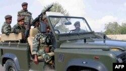 Binh sĩ Pakistan tuần tra ở thành phố Wana