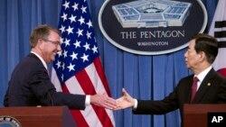 美國國防部長卡特與南韓防長10月20日在五角大樓舉行會談。