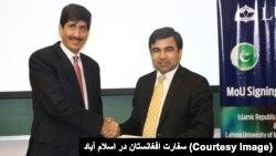 سفیر افغانستان در مراسم امضای تفاهمنامه با پوهنتون لاهور