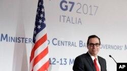 Menteri Keuangan Steven T Mnuchin saat memberikan sambutan pada hari terakhir KTT Para Menteri Keuangan negara-negara anggota G7 di Bari, Italia, 13 Mei 2017 (Foto: dok),