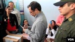 Gustavo Petro, del partido Progresista y ex militante del grupo armado M-19, consiguió nombrarse como el próximo alcalde de Bogotá.