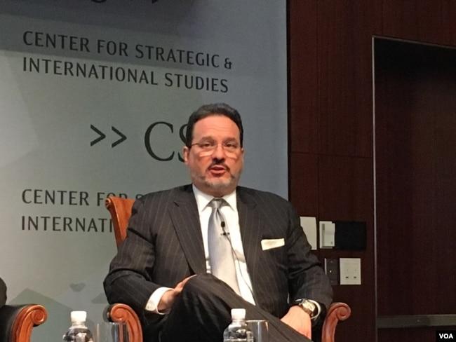 戰略與國際研究中心亞洲副總裁格林(美國之音鐘辰芳拍攝)
