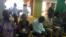 Les opposants présents au Parlement à Lomé, Togo, le 12 septembre 2017. (VOA/Kayi Lawson)