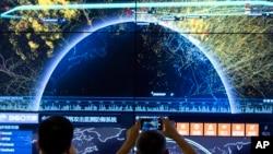 第四屆中國網絡安全大會期間顯示的全球網絡襲擊視覺效果。(資料照片)