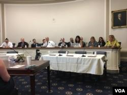 美國眾議院外交事務委員會亞太小組委員會審議表決《台灣旅遊法》等法案(美國之音鐘辰芳拍攝)