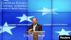 European Parliament President Martin Schulz holds a news conference during a European Union leaders summit in Brussels, Belgium, June 27, 2013.