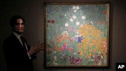 تابلوی باغ مزرعه یا باغ گل از «گوستاو کلیمت» نقاش اتریشی در سال ۱۹۰۸ نام او را بر سر زبانها انداخت