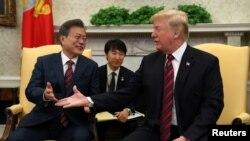 Президент США Дональд Трамп и президент Южной Кореи Мун Чжэ Ин. Белый дом, Вашингтон. 22 мая 2018 г.