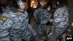 Задержание оппозиционеров в Москве