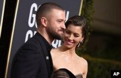 Justin Timberlake y su esposa llegan a la entrega 75 de los premios Golden Globe en Los Angeles, California. Foto AP.