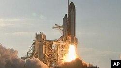 2011年2月24 日太空穿梭機發現號進行最後一次飛行任務
