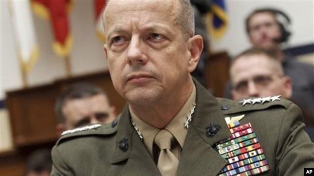Panglima Tertinggi AS di Afghanistan, Jenderal John Allen (Foto: dok). Departemen Pertahanan AS tengah menyelidiki keterlibatan Jenderal John Allen dengan Jill Kelly, teman direktur CIA yang mengundurkan diri.